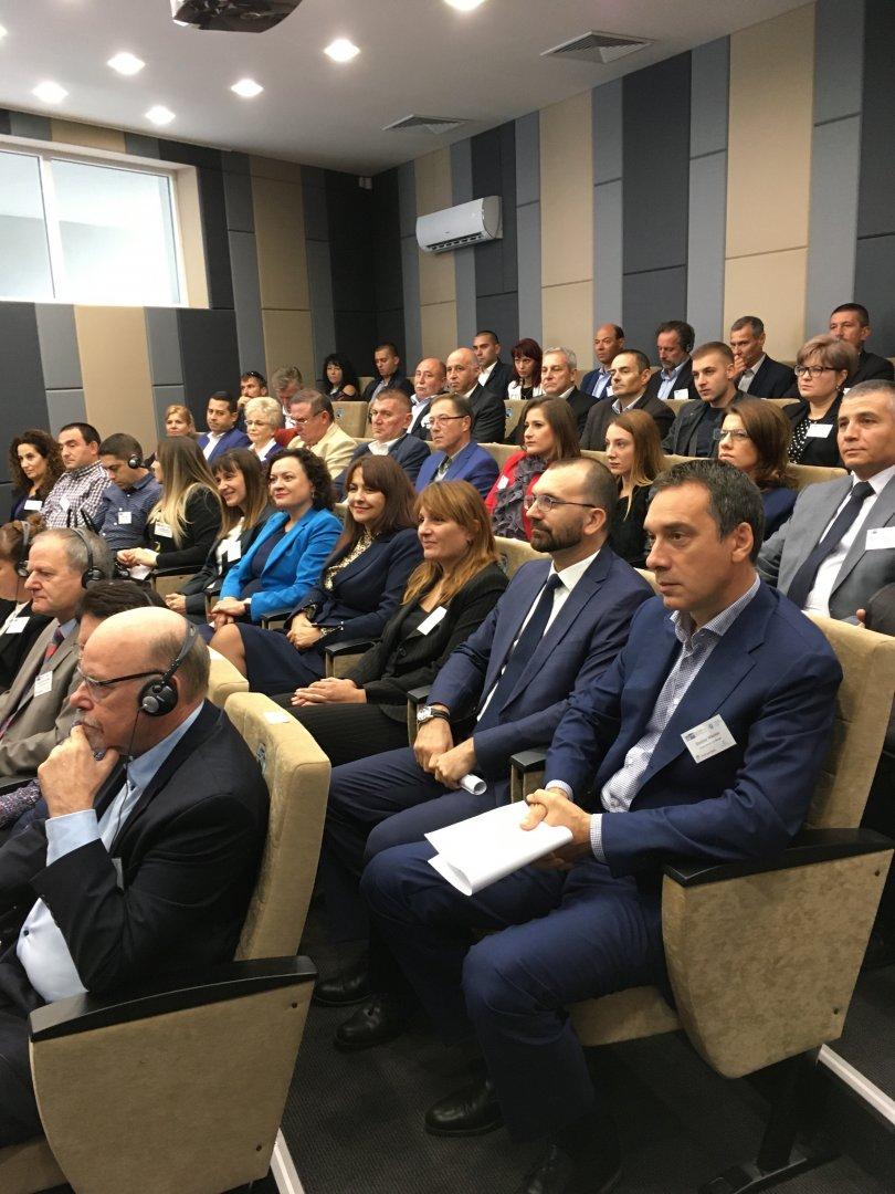 Отлични условия и засилен интерес посрещнаха участниците в Германо-български икономически форум в новата сграда на Индустриален парк в Бургас